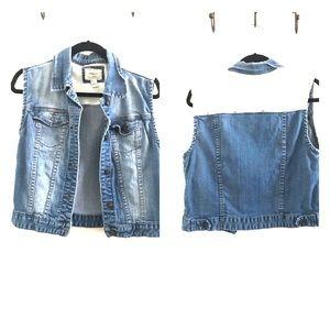 Denim/white lace vest
